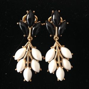 Trifari Black White Enamel Dangle Earrings